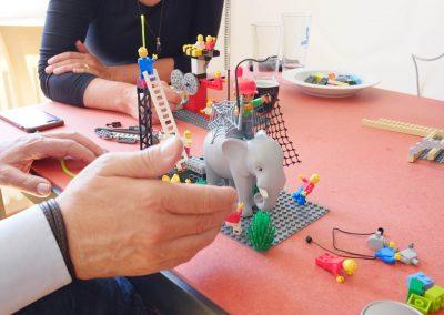 Elefant im Lego-Haufen
